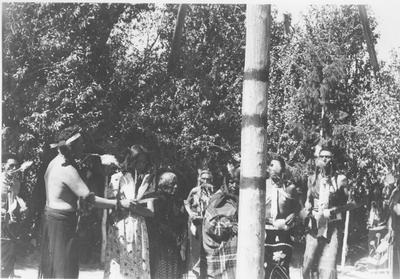 Shoshone Women's Clothing http://arc.lib.montana.edu/schultz-0010/item/437